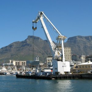 Heavy lift floating crane, Cape Town 2007