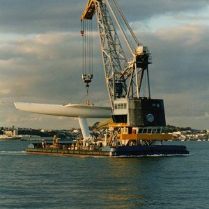auckland floating crane