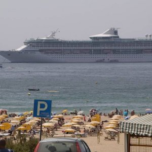 Legend of the Seas @ Praia de Rocha