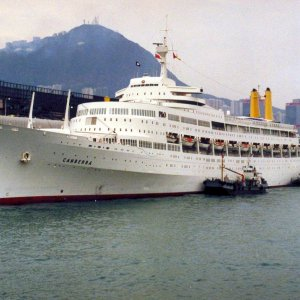 P & O Canberra