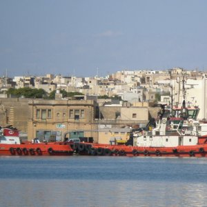 Tugs in valletta