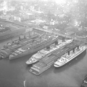 Stern view of famous liners in New York