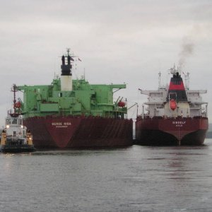 Ship-to-Ship transfer of oil