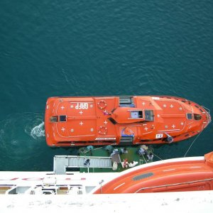 Ship's Lifeboat/Tender