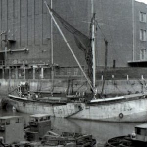 Auxillary Spritsail Barge Will Everard-FT Everard & Sons Ltd at Hull