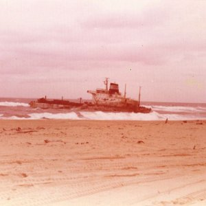 Sygna  Stockton Beach after salvage attempt