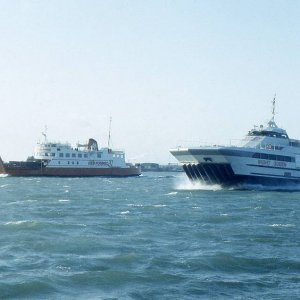 Wight Queen with Cowes Castle