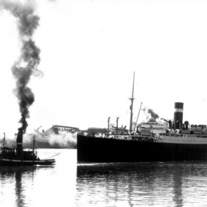 Athenia departing Montreal -  1920's.png