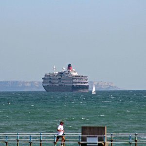 CUNARD QUEEN VICTORIA IN WEYMOUTH BAY 18TH SEP 2020.JPG