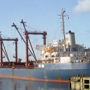 ZI YUN SHAN loading scrap at West Gladstone dock, Liverpool, on 18th April 2001 Malcolm Cranfi...jpg