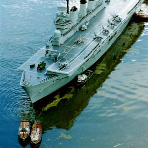 1/24th scale HMS INVINCIBLE